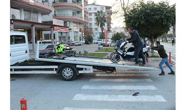 motosiklet kamyonet kaza 5