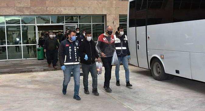 Antalya'da eş zamanlı operasyon! Çok sayıda gözaltı var