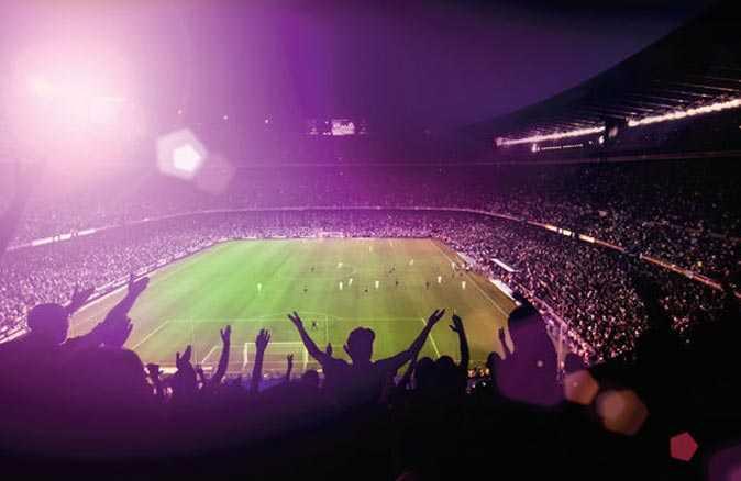 Futbolseverlere müjde! Seyircili maçlar için tarih verdi