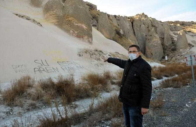 Peribacalarına spreyle yazı yazan 'tarih düşmanlarına' tepki