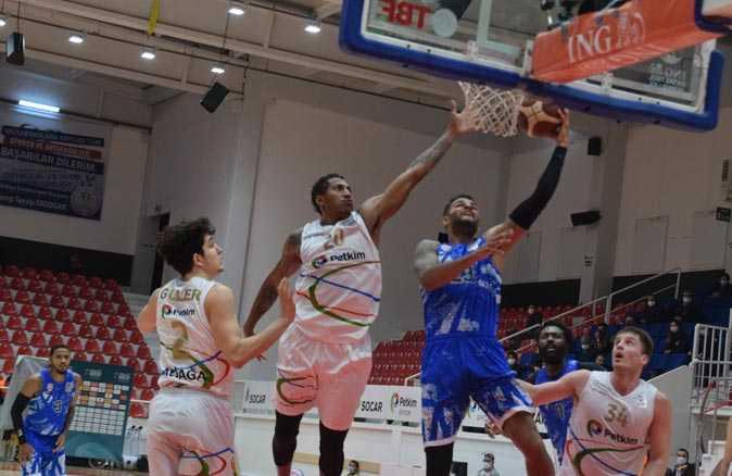 Petkimspor, Büyükçekmece Basketbol'u evinde yendi