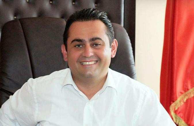 İbradı Belediye Başkanı Serkan Küçükkuru partisinden istifa etti