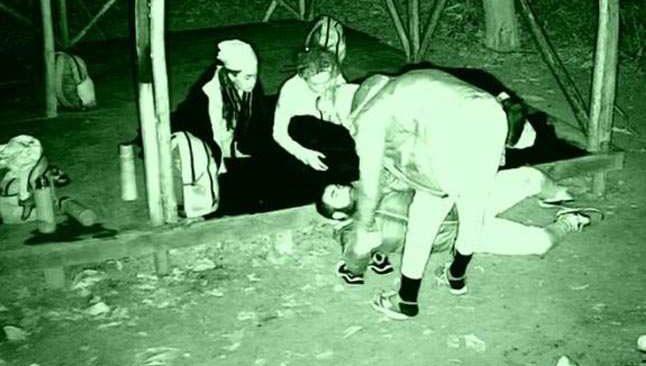 Survivor'da korku dolu gece! Yarışmacı olduğu yere yığılıp kaldı