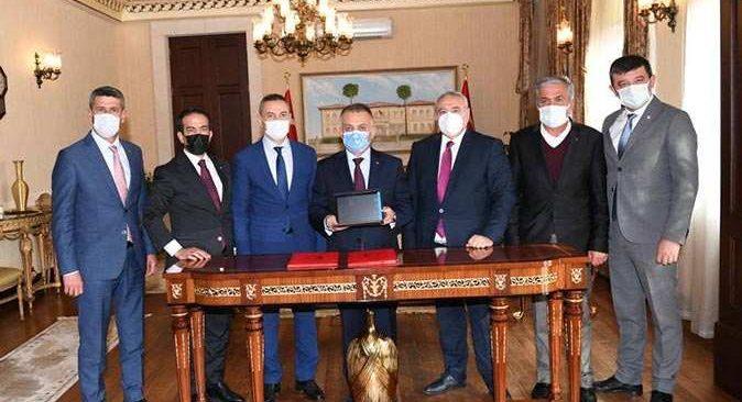 110 adet tablet Antalya İl Milli Eğitim Müdürlüğü'ne teslim edildi