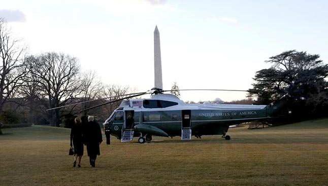 Donald ve Melania Trump Beyaz Saray'dan böyle ayrıldılar!