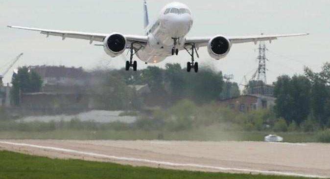 Antalya-Moskova uçağının iniş takımları bozuldu, uçak güçlükle iniş yapabildi
