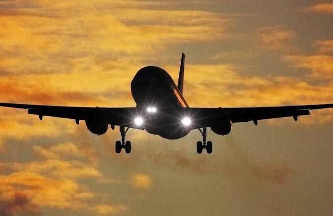 Uçuş sırasında taşkınlık yapan Trump destekçilerini pilottan tehdit