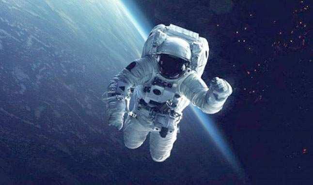 2021 yılının ilk uzay yürüyüşünü gerçekleşti!
