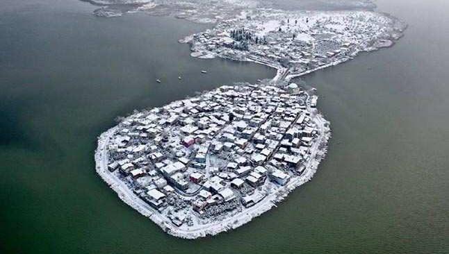 Türkiye'nin Venedik'i karlar arasında böyle görüntülendi