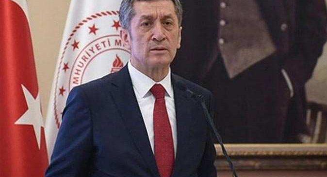 Milli Eğitim Bakanı Ziya Selçuk: Zor günlerde gayreti elden bırakmadınız, var olun