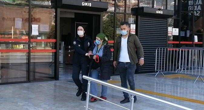 Antalya'da çeşitli suçlardan aranan kadın yakayı ele verdi
