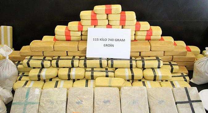 Zehir tacirlerine büyük darbe! 115 kilo 740 gram eroin ele geçirildi