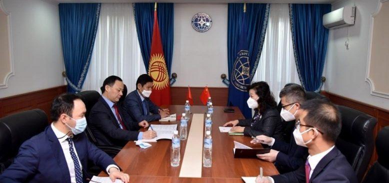 Çin, Kırgızistan'a bedava Covid-19 aşısı