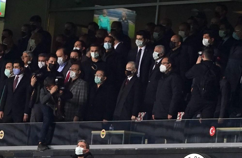 Bakan Kasapoğlu ve başkanlar tribünde