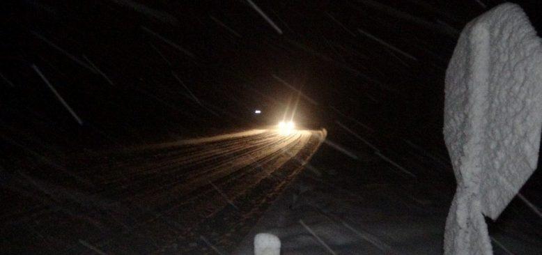 Kar şiddetini arttırdı, uzun araçlara geçiş yasaklandı