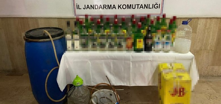 Sahte içki imal eden 2 kişi yakalandı