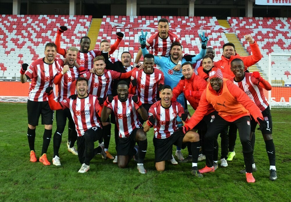 Sivasspor'da maç sonu büyük sevinç