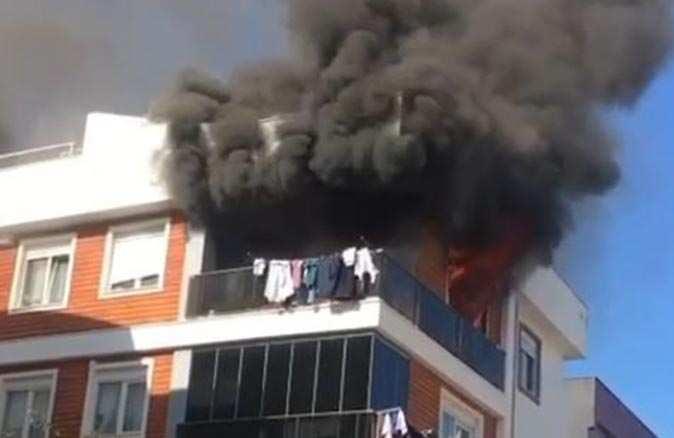 Muratpaşa'da 22 yaşındaki genç kadın yanarak hayatını kaybetti