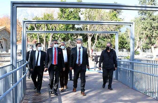 Kemer'in yeni yüzü 'Atatürk Parkı' çalışmaları devam ediyor
