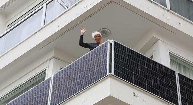 Antalya'da balkonlar elektrik üretiyor