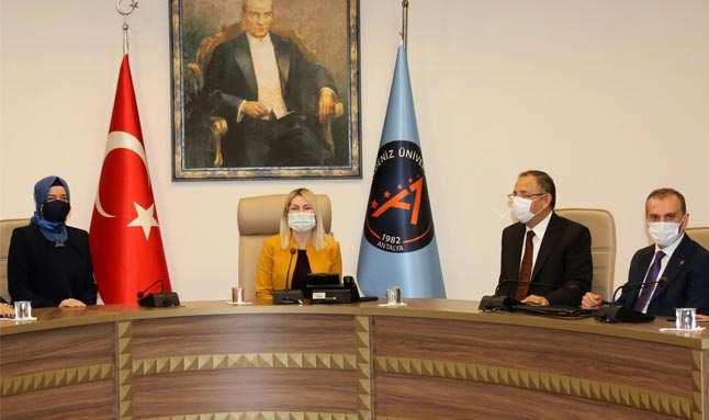 AK Partili Özhaseki: Antalya Türkiye'nin gözbebeği