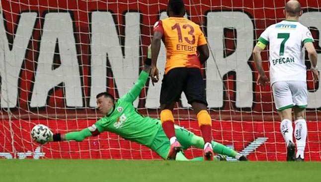 Muslera, bu sezon bir maçta ilk kez 3 gol yedi