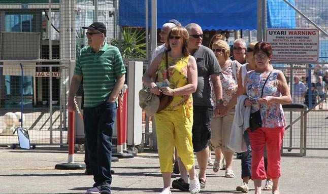 'Turizmin başkentinde' 90 ülkeden insan yaşıyor