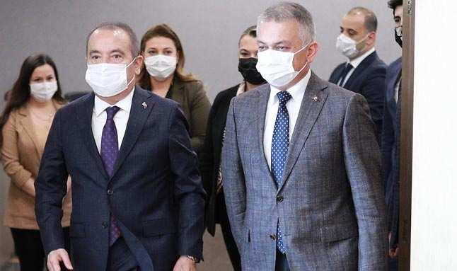 Vali Yazıcı ve Başkan Böcek Antalya'ya dair projeleri masaya yatırdı