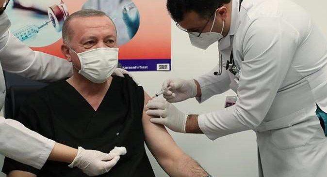 Cumhurbaşkanı Erdoğan, ikinci doz koronavirüs aşısını yaptırdı