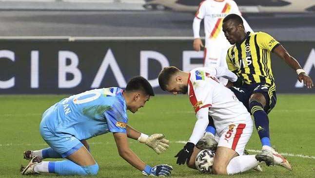 Göztepe Fenerbahçe'ye geçit vermedi