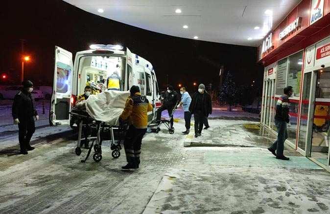 Konya'da tır, otomobil ve otobüs şarampole devrildi! Çok sayıda ölü ve yaralı var
