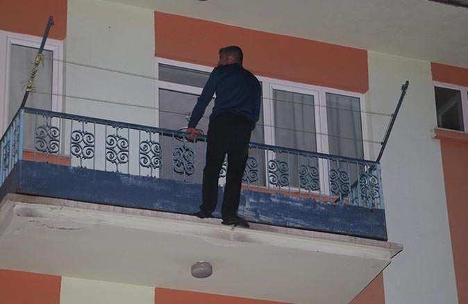 Kız arkadaşıyla sorun yaşayan genç 3. kattan atladı