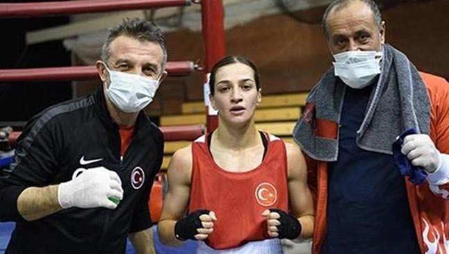 Milli boksörler Macaristan'da yarı finalde