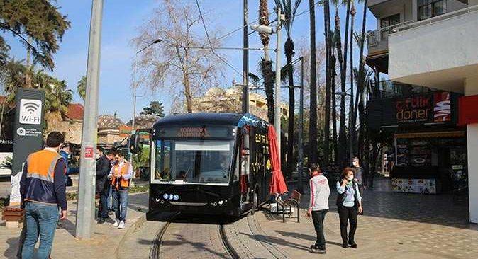 Antalya Nostaljik Tramvaya elveda elektrikli otobüslere merhaba dedi
