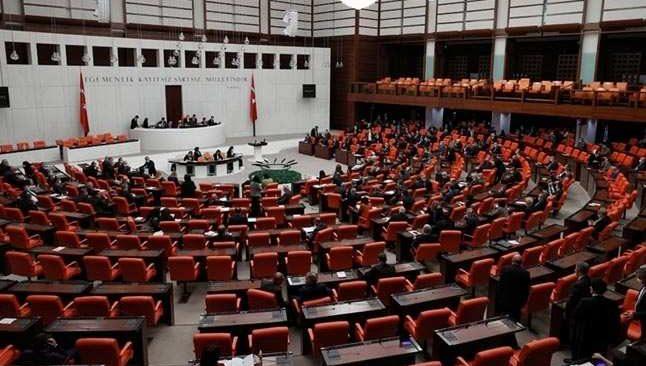 Son Dakika: TSK personeline ilişkin kanun teklifi yasalaştı