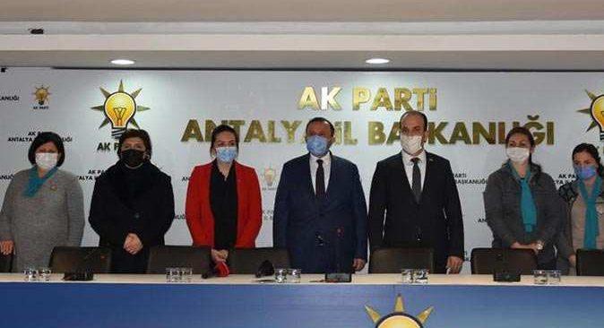 Türkiye sevdalısı kadınlar AK Parti'yi tercih etti