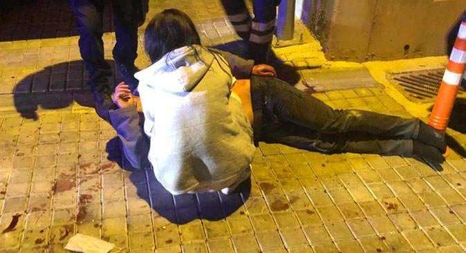Ankara'da annesi ile sevgilisini yatak odasında görünce dehşet saçtı