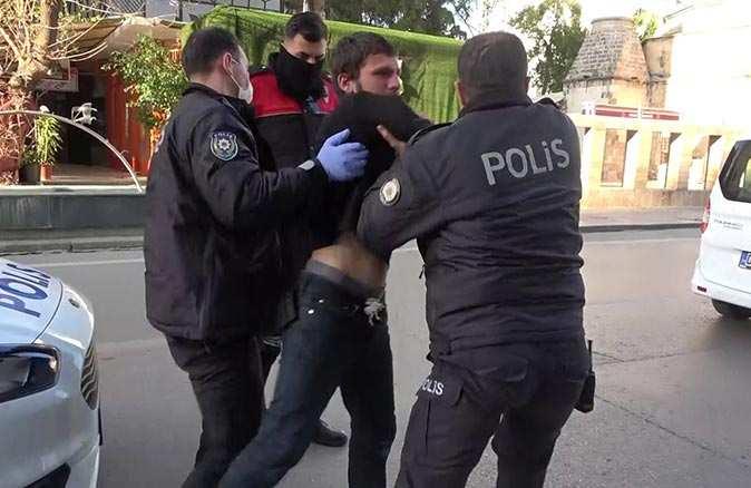 Antalya'da yakalanan şüpheli şahıs polislere zor anlar yaşattı