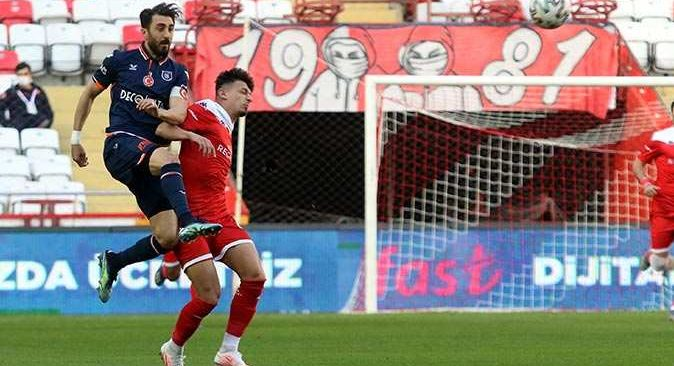 Antalyaspor Başakşehir ile berabere kaldı