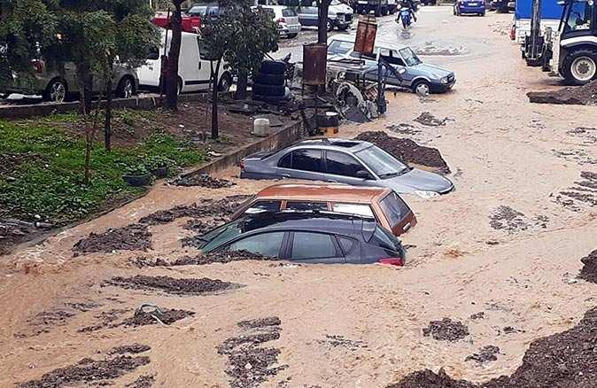 İzmir Menderes'te yetkililer uyardı: 'Evlerinizi boşaltın'