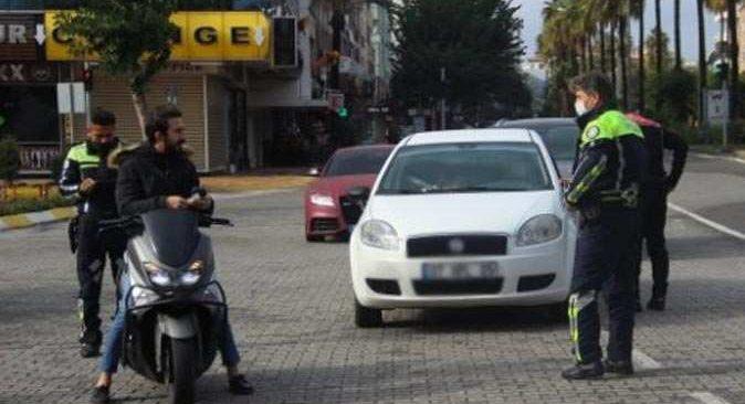 Alanya'da kısıtlama denetimlerinde jandarma 89 kişiye ceza yazdı