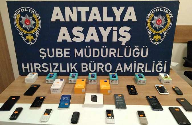 Antalya'da telefonculara sıkı denetim