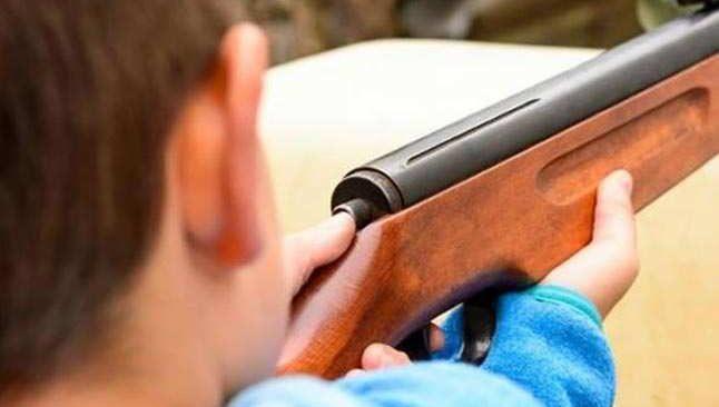 12 yaşındaki çocuk komşusunu vurdu