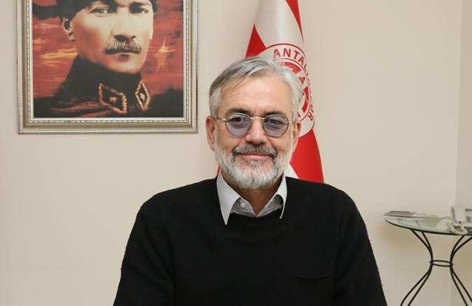SON DAKİKA! Antalyaspor A.Ş. Yönetim Kurulu Başkanı Emin Hesapcıoğlu istifa etti