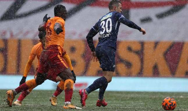 Galasataray'ın yüzünü Kasımpaya karşısında penaltı güldürdü