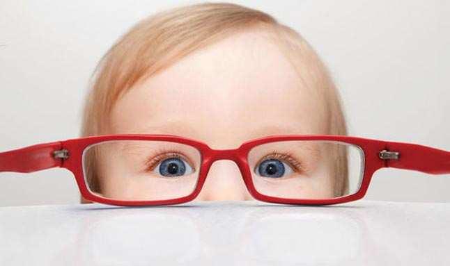 Göz sağlığı için doğru gözlük kullanımı önemli
