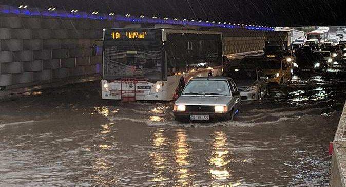 SON DAKİKA! İzmir'deki sel felaketinden acı haber!