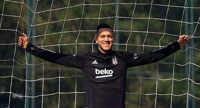 Brezilyalı yıldız futbolcu Josef de Souza: 'Futbol saha içinde kalırsa, şampiyon oluruz'