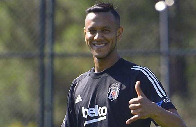 Brezilyalı yıldız futbolcu Josef de Souza