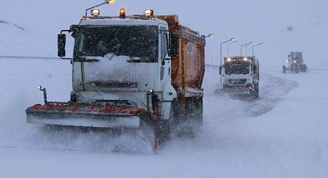 Erzincan güne karla uyandı, yüz yüze eğitime ara verildi